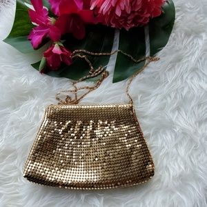 VTG Gold Metal Mesh Zipper Bag w/ Gold Chain Strap